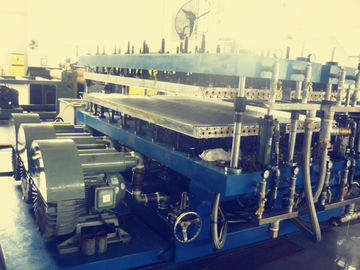 China Impact Resistance Wpc Profile Production Line , Polycarbonate Profile Sheet Machine factory