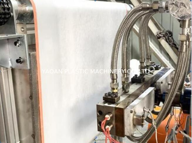 Automatic AF-600mm PP Melt Blown Non Woven Fabric Machine supplier