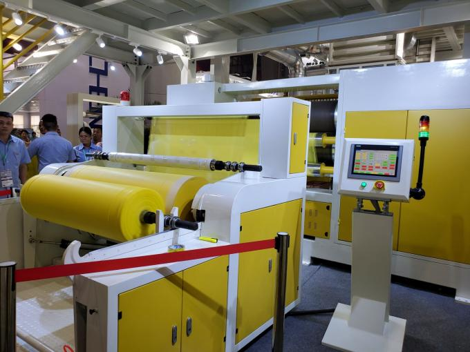 S SS SMS Spunbond Nonwoven Fabric Making Machine , Non Woven Machinery Only Need 7 Days To Install Machine In Customer